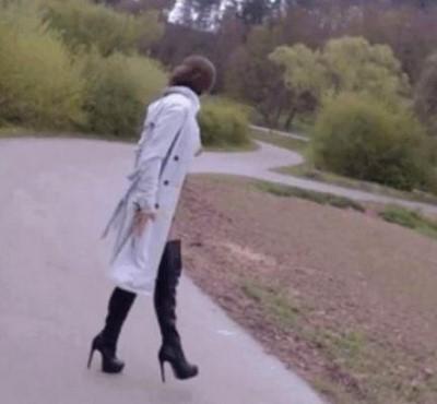 Jeune femme de 28 ans recherche voyeurs pour exhibes dans différents endroits