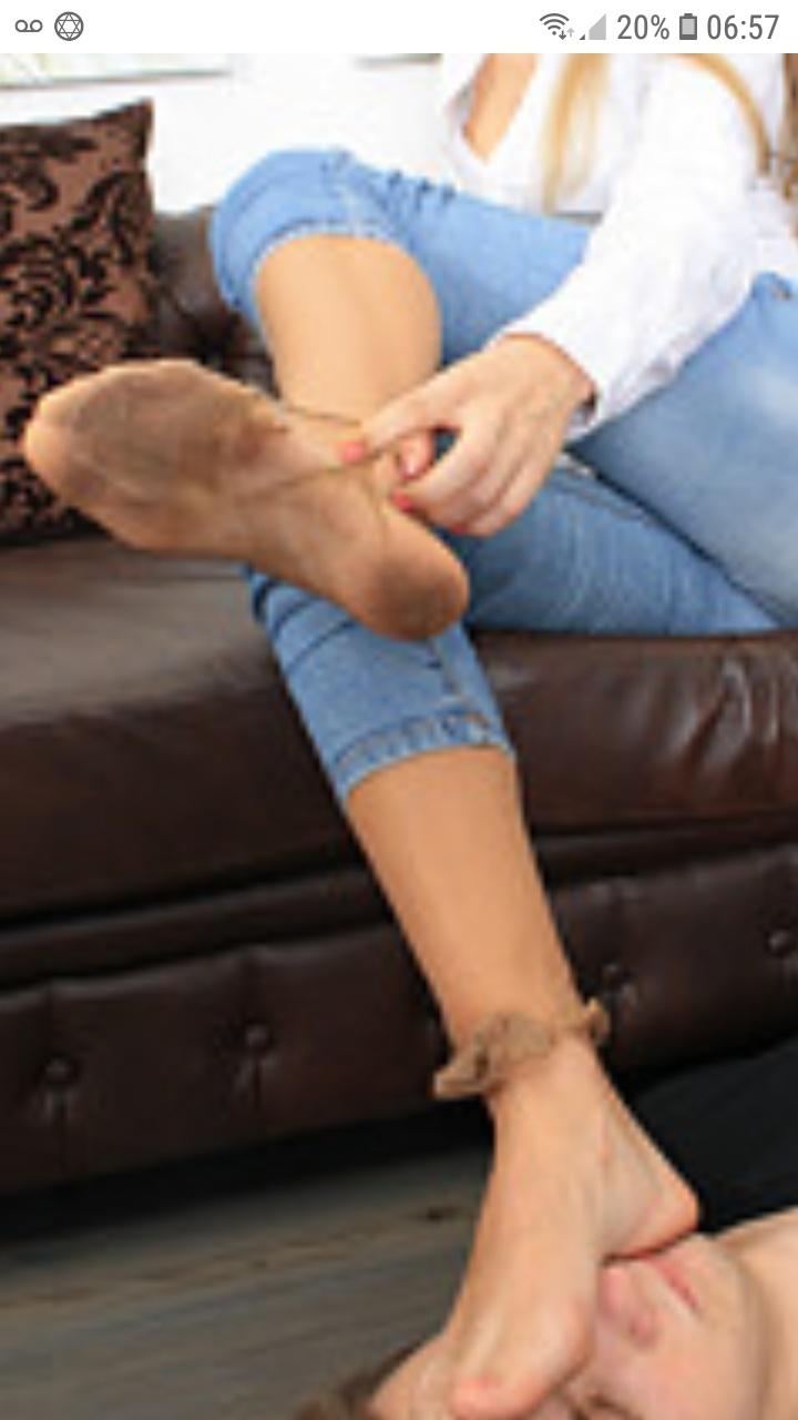 Jh cherche dominatrice soft fetichisme des pieds